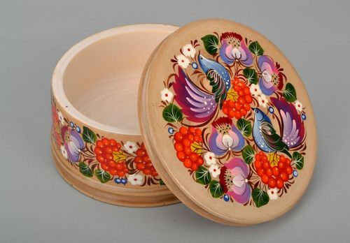 Wooden handicraft box for needlework with hand painting - MADEheart.com