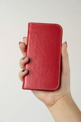 Womens handmade leather phone case phone accessories design small gift ideas - MADEheart.com