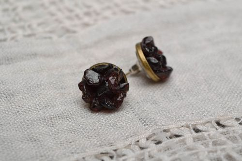 Stud earrings with garnet - MADEheart.com