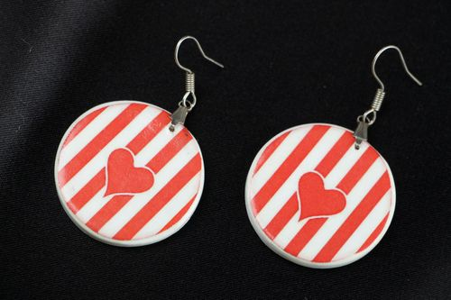 Round earrings made of polymer clay - MADEheart.com