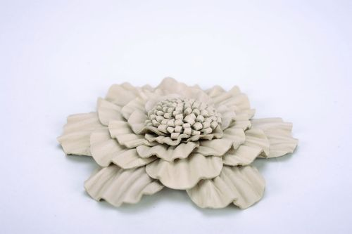 Bright brooch made ​​of natural leather Flower - MADEheart.com
