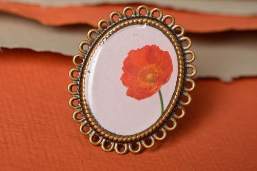 Handmade vintage oval ring with metal basis and floral print in epoxy resin - MADEheart.com