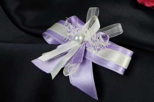 Boutonniere for Groomsmaids - MADEheart.com
