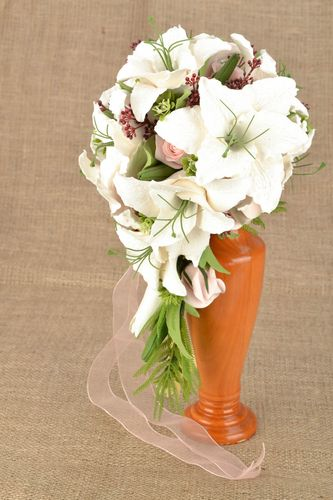 Bouquet with artificial flowers - MADEheart.com