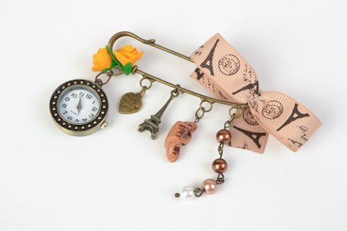 Handmade brooch pin with watch for bag or outfit Paris - MADEheart.com