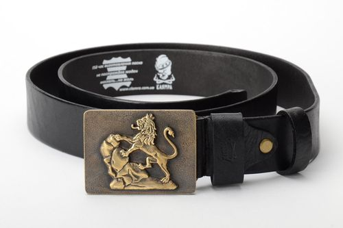 Handmade genuine leather belt with metal buckle and embossment - MADEheart.com