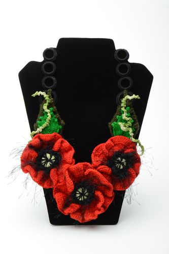 Homemade crochet flower necklace with beads Poppies - MADEheart.com