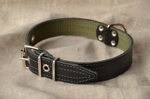 Handmade leather dog collar - MADEheart.com