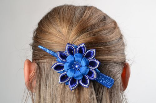 Beautiful blue hair clip hand made of satin brocade and rep ribbons - MADEheart.com