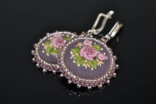 Satin stitch embroidered earrings on leather basis - MADEheart.com