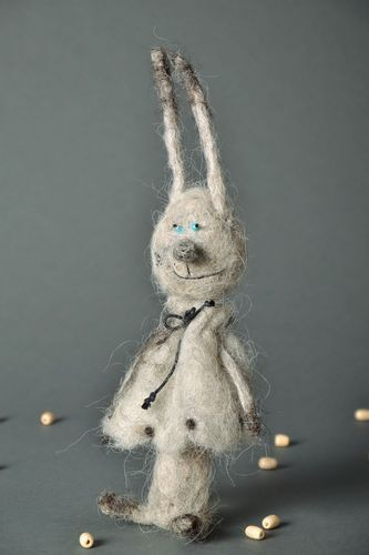 Woolen Toy Bunny - MADEheart.com
