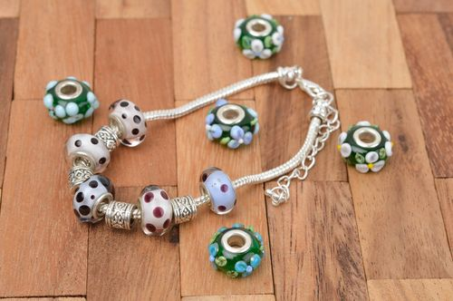 Unusual handmade glass bracelet lampwork ideas beaded wrist bracelet gift ideas - MADEheart.com