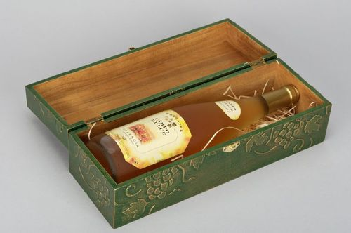 Box for a bottle - MADEheart.com