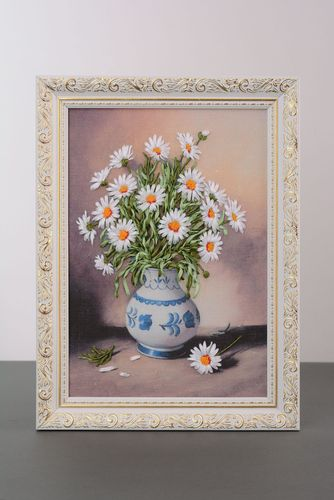 Embroidered picture Camomiles in Vase - MADEheart.com