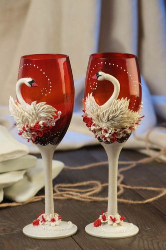 Beautiful handmade designer wedding champagne glasses set 2 pieces with swans - MADEheart.com