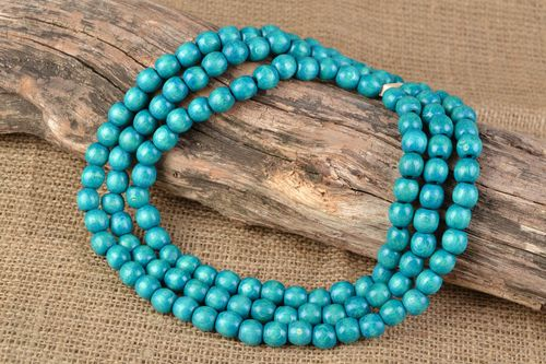 Handmade wooden bead necklace in three rows Turquoise - MADEheart.com