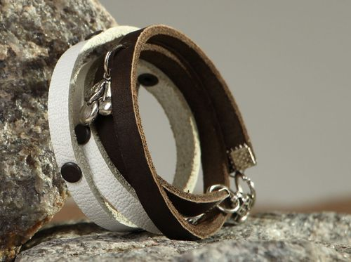 Leather bracelet with rivets. - MADEheart.com