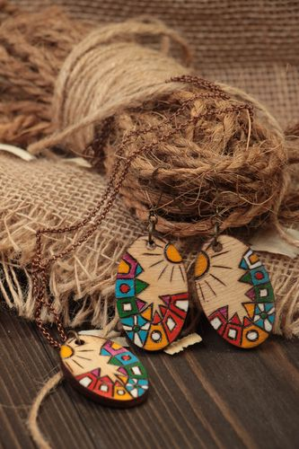 Eco friendly jewelry handmade earrings and pendant in ethnic style eco jewelry - MADEheart.com