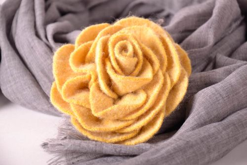 Brooch Yellow rose - MADEheart.com