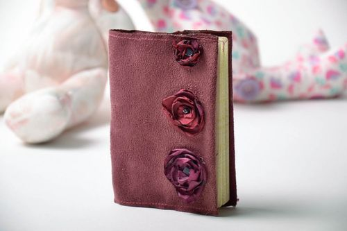 Wine color passport cover - MADEheart.com