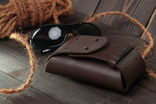 Beautiful stylish handmade brown genuine leather glasses case for men - MADEheart.com