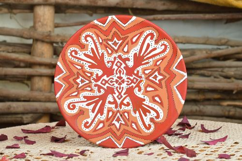 Beautiful handmade decorative ceramic wall plate painted with acrylics - MADEheart.com