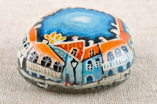 Unusual handmade painted pebbles sea stone painting home decoration gift ideas - MADEheart.com