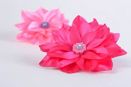 Handmade decorative hair band with volume ribbon aster flower of fuchsia color - MADEheart.com