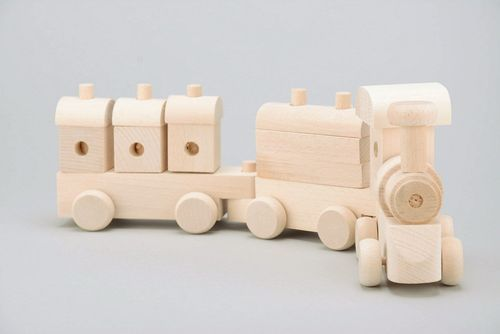 Wooden toy train - MADEheart.com