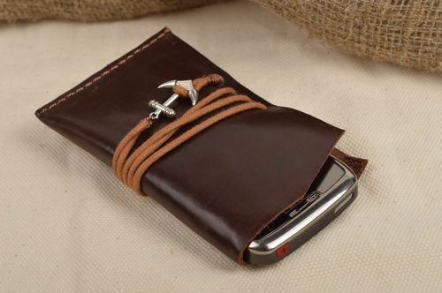 Handmade leather case for cell phone designer elegant accessory case for gadget - MADEheart.com