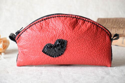 Handmade cosmetic bag beauty case leather goods women accessories gifts for her - MADEheart.com