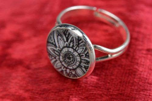 Black and white handmade designer decoupage flower ring coated with epoxy adjustable size - MADEheart.com
