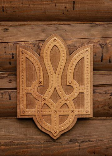 Wooden panel Trident - MADEheart.com