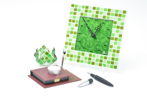 Handmade green set glass candlestick designer wall clock home decor ideas - MADEheart.com