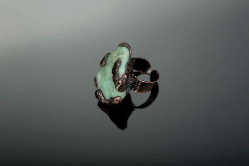 Bague originale faite main en chrysoprase - MADEheart.com