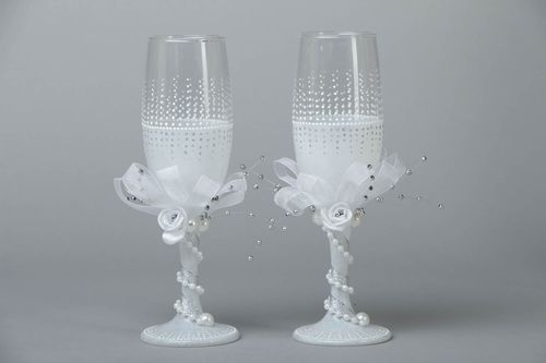Wedding glasses for groom and bride - MADEheart.com