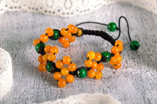 Woven bracelet with citrine and malachite - MADEheart.com