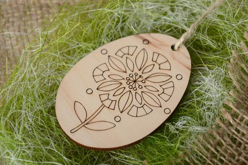 Homemade plywood blank interior pendant fridge magnet with flower pattern - MADEheart.com
