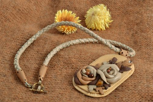 Homemade genuine leather flower neck pendant with natural stones - MADEheart.com