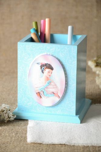 Handmade wooden pencil holder stationery ideas pen and pencil gift ideas - MADEheart.com