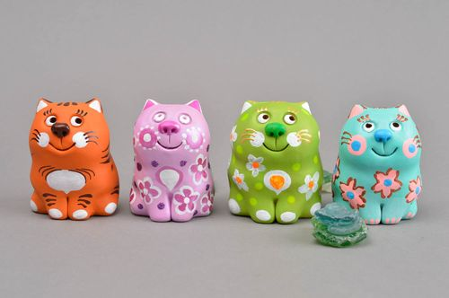 Handmade gifts ceramic souvenirs clay folk toys 4 penny whistles souvenir ideas - MADEheart.com