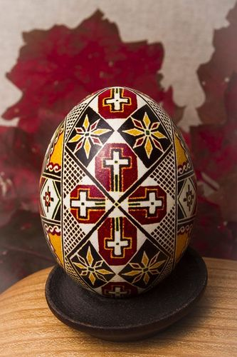 Painted egg for Easter - MADEheart.com
