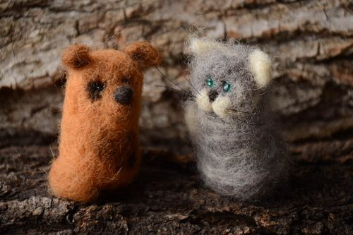 Handmade cute toys 2 pieces felted wool toy cool bedrooms gifts for kids - MADEheart.com