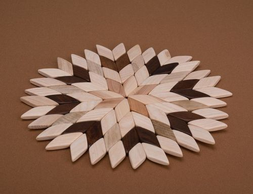 Coaster for hot dishes in the shape of a snowflake - MADEheart.com