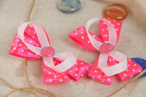 A set of 2 handmade designer bobby pins made of satin ribbon in the form of pink bows - MADEheart.com