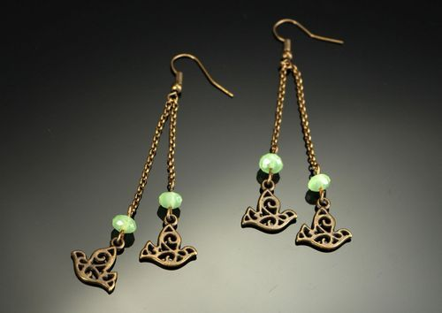 Long earrings made of bronze & crystal - MADEheart.com