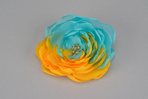Yellow and blue flower brooch - MADEheart.com