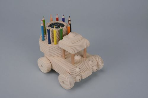 Car with a compass and stand - MADEheart.com