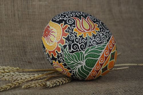Ostrich painted egg Patterned flowers - MADEheart.com
