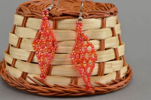 Beautiful homemade beaded earrings stylish jewelry designs bead weaving ideas - MADEheart.com